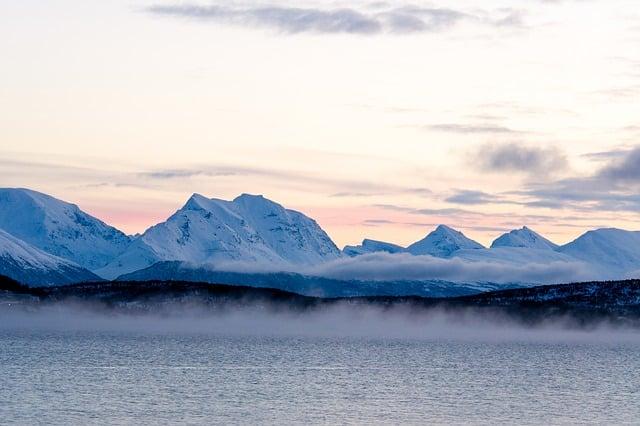 Арктика вид с моря фото