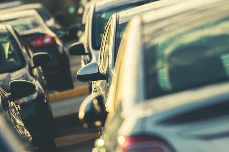 Автомобильная стоянка машины иллюстрация