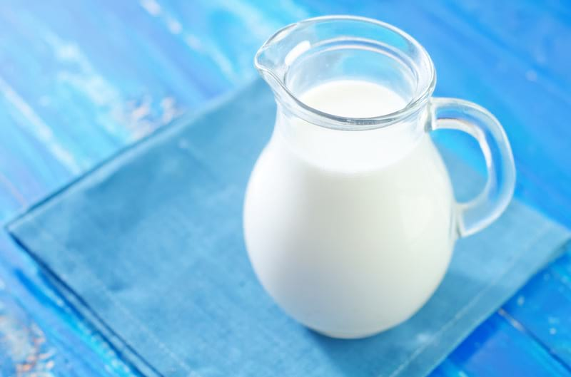 молоко в кувшине фото