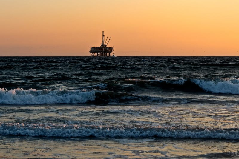 добыча газа в море фото