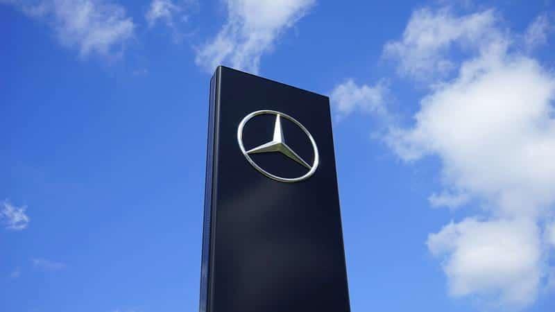 Логотип Mercedes фото