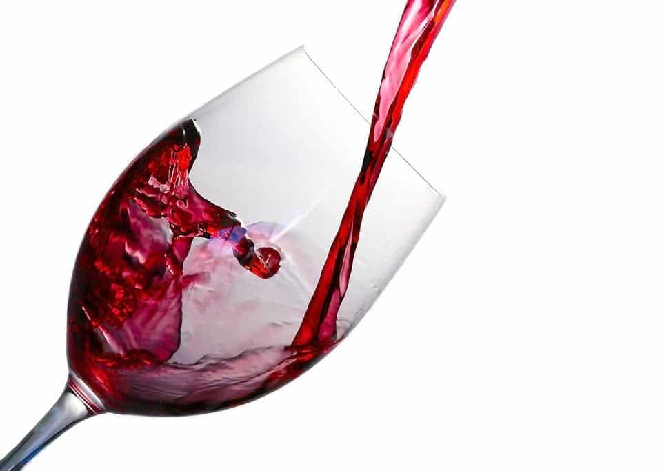 бокал с вином фото