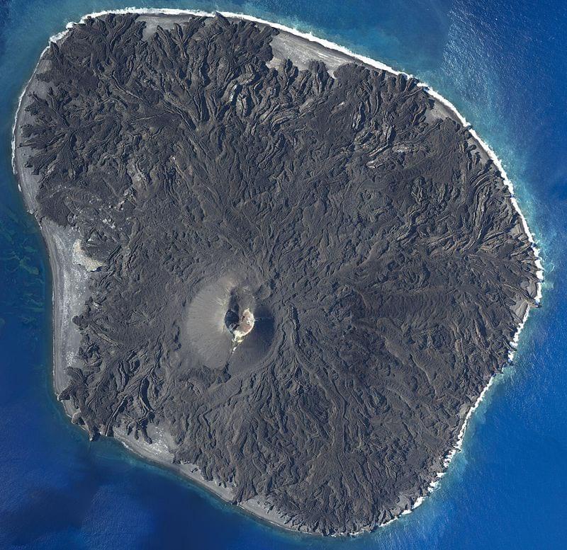 Вулканический остров фото