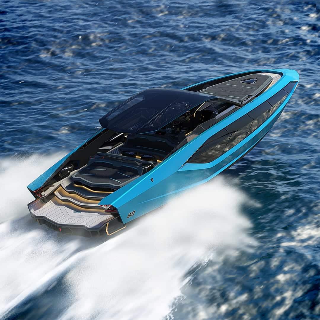 YAhta Lamborghini 1