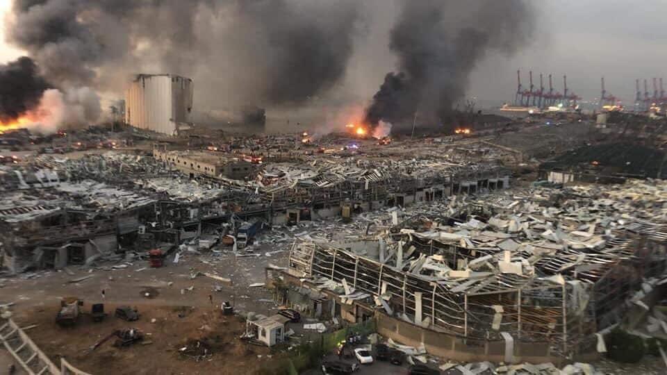 Взрыв в Бейруте порт фото