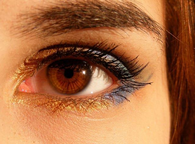 Карие глаза фото