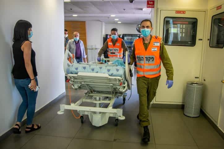Коронавирус израиль доставка пациента в больницу фото