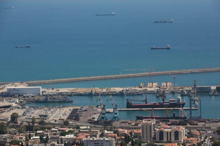 Порт в Хайфе фото