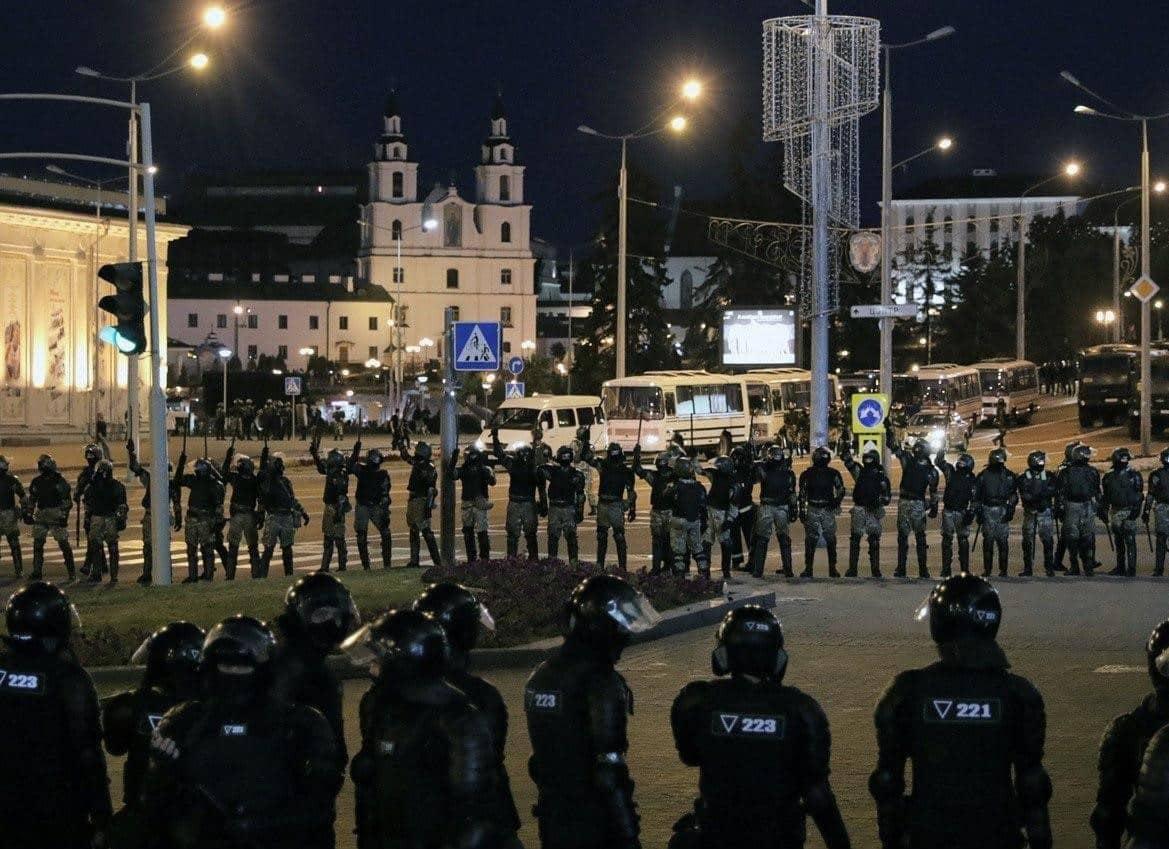 В ходе протестов в Беларуси задержаны сотни человек