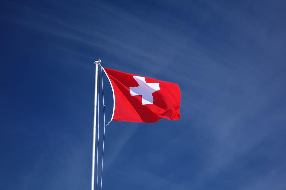 Швейцария флаг фото