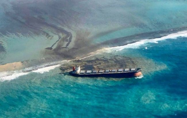 затонувший танкер фото