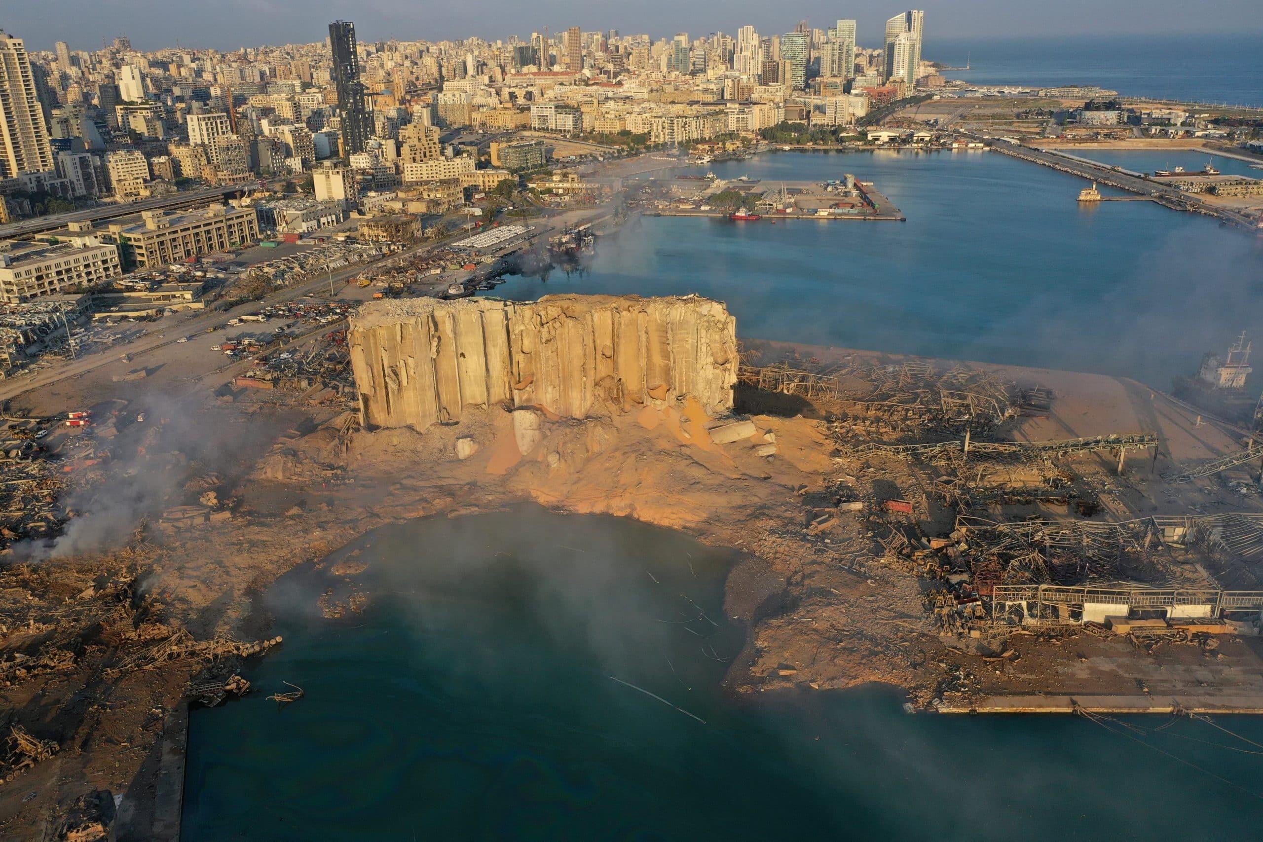 Взрывы в Бейруте фото