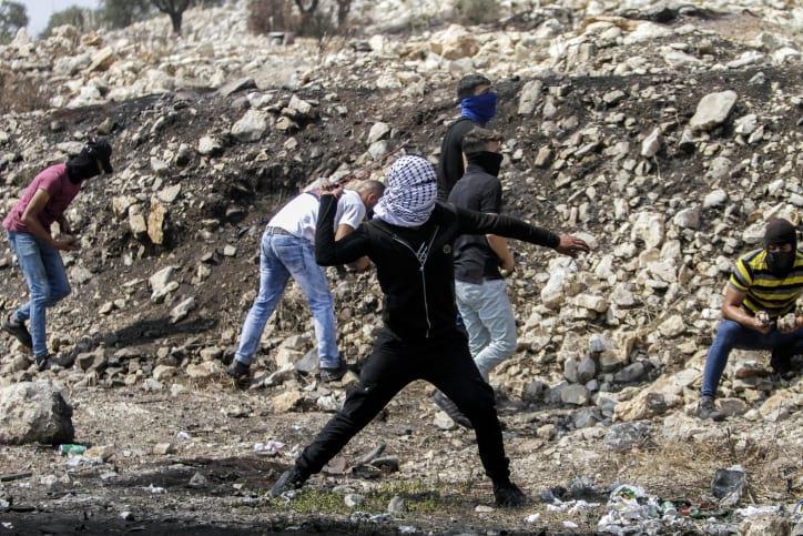 Беспорядки в деревне Кфар-Кадум фото