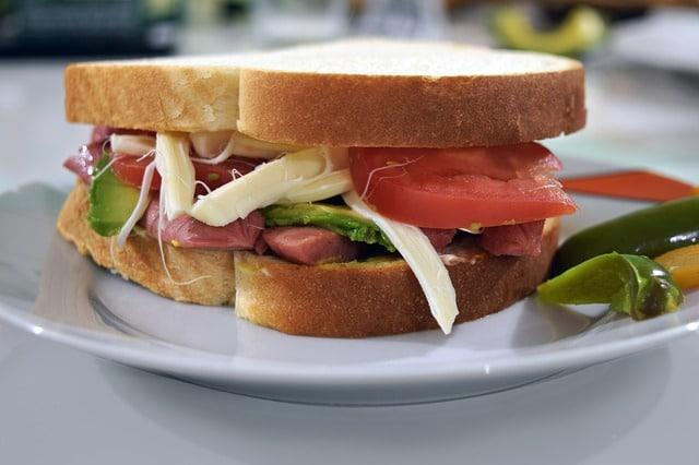 диетический бутерброд овощи фото