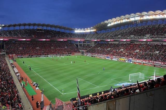 футбольный стадион фото