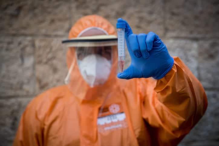 коронавирус Израиль медработник фото
