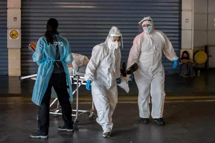 Коронавирус в Израиле: южноафриканский штамм обнаружен у граждан, не покидавших страну