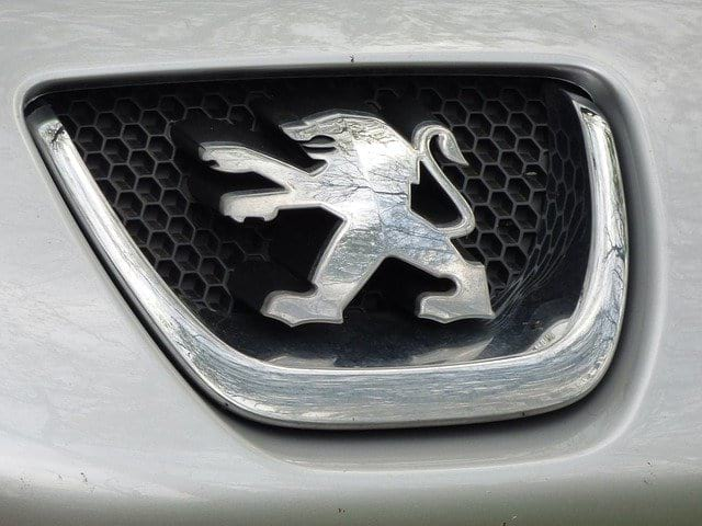 Логотип Peugeot фото