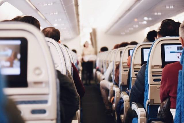 Пассажиры салон самолета фото