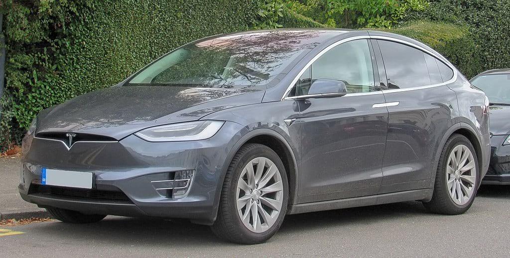 Tesla Model X фото