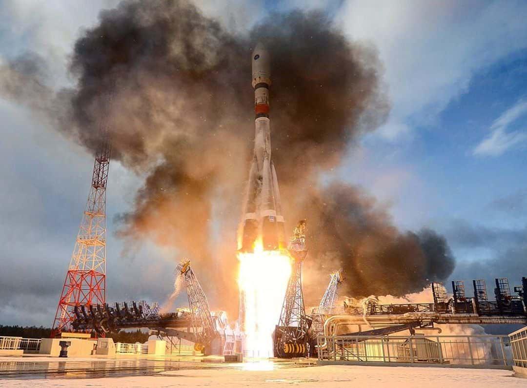 Запуск ракеты Роскосмос фото