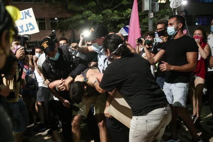 Antipravitelstvennaya demonstratsiya v Tel Avive