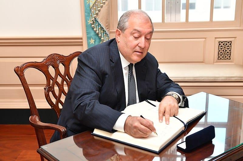президент армении армен саркисян фото