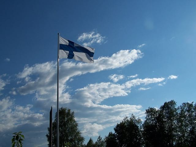 Флаг Финляндии фото