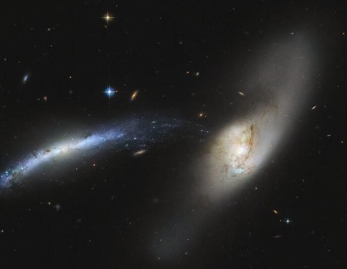 слияние двух галактик фото