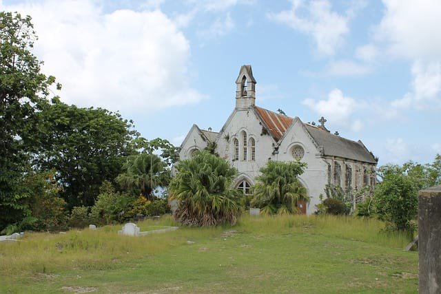 Старая церковь картинка