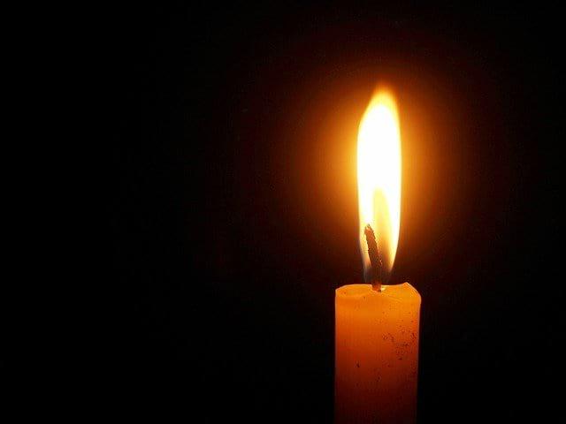 горящая свеча картинка