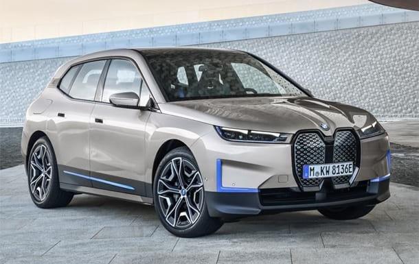 Электрокар BMW iX фото