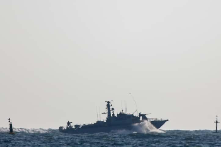 Военный корабль фото
