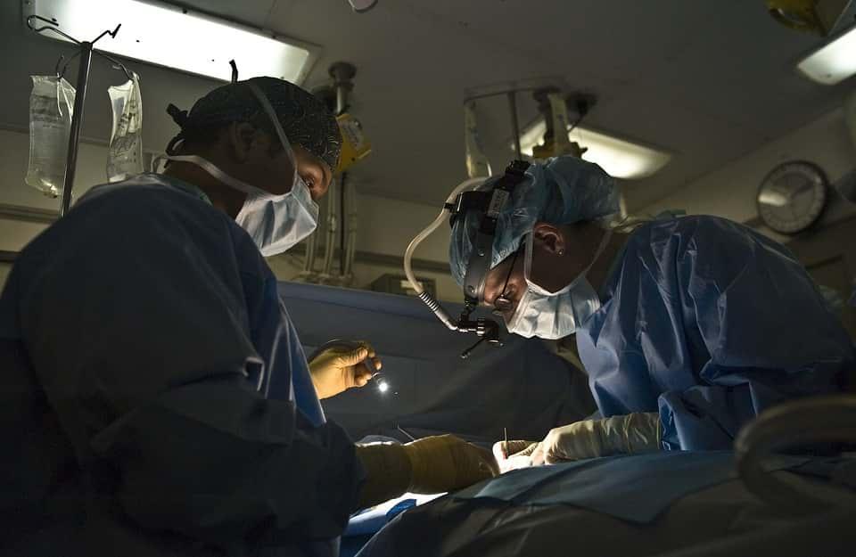 Хирурги фото