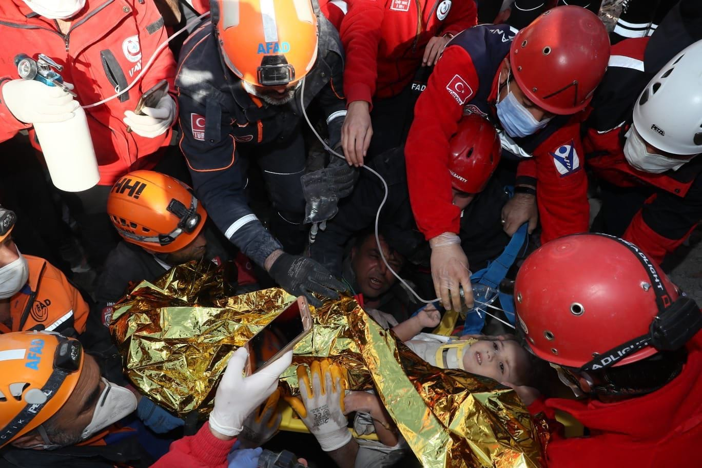 Землетрясения Турция Измир фото
