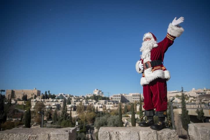 Санта-Клаус в Израиле фото