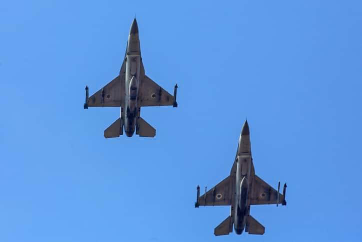 СМИ: ВВС Израиля нанесли ответный огонь по сектору Газа