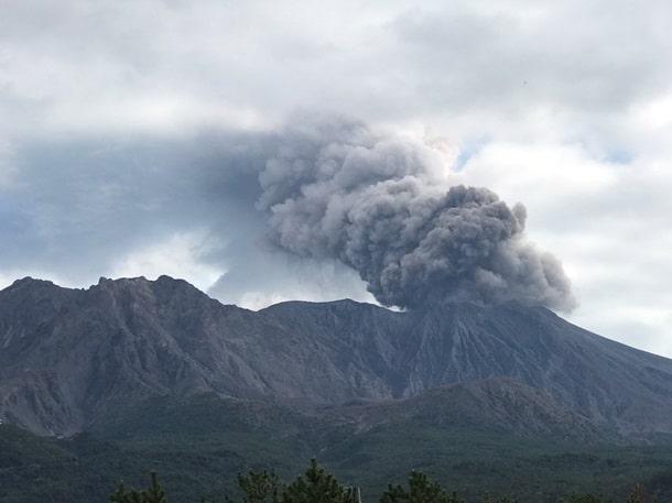извержение вулкана япония фото