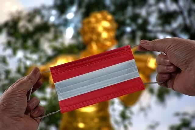 Маска цветов флага Австрии фото