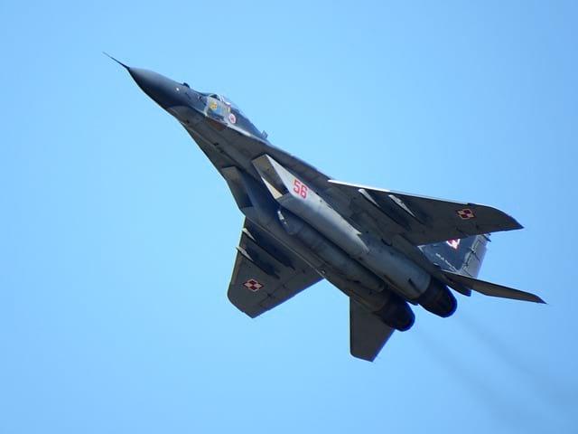 МиГ-29 истребитель фото