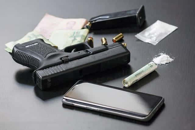Наркотики и Оружие фото