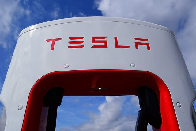 Зарядка Tesla фото