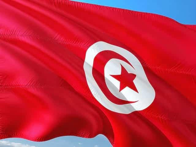 В Тунисе введён жесткий недельный карантин