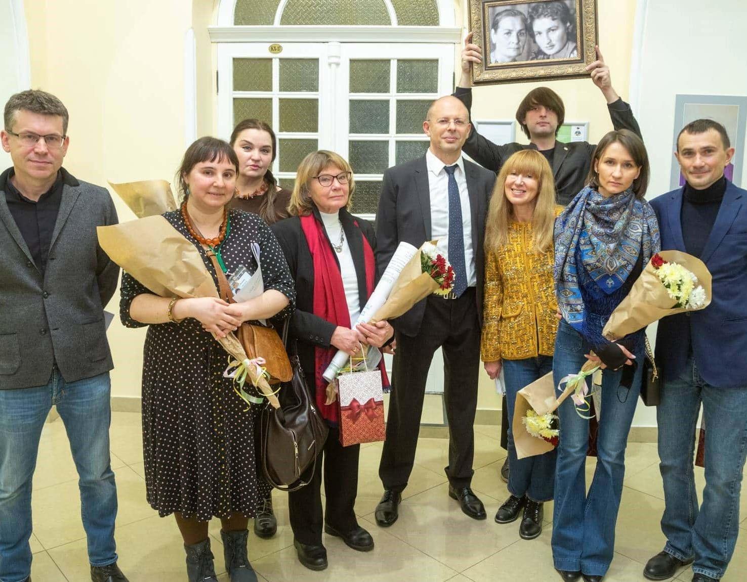 Открытие выставки в Киеве фото