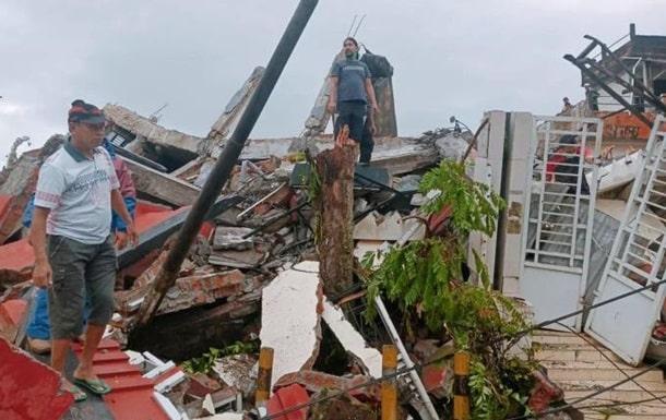 землетрясение в индонезии фото