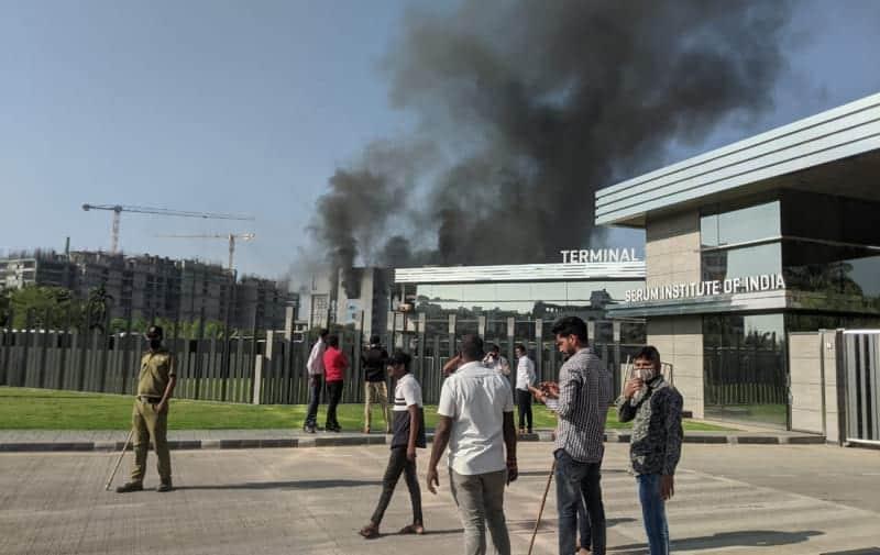 Пожар на заводе фото