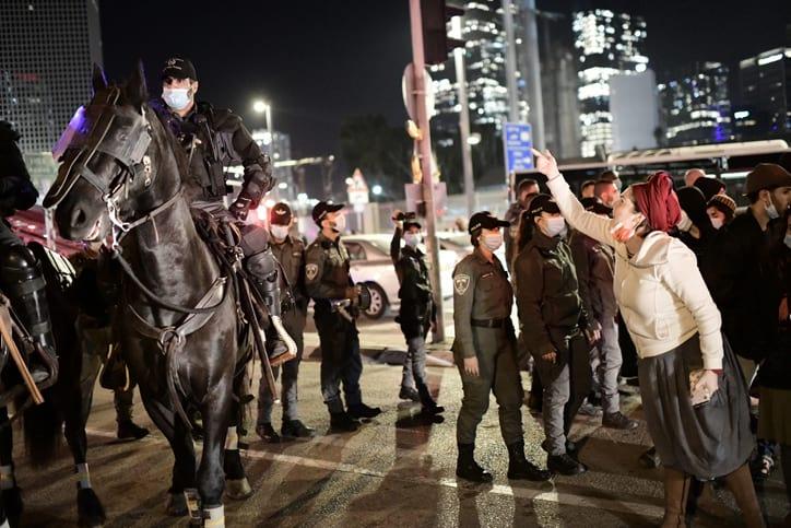 Протесты поселенцев в Тель-Авиве фото