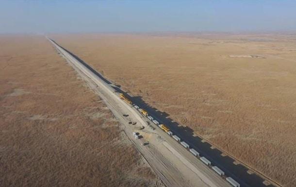 Строительство железной дороги в Китае фото