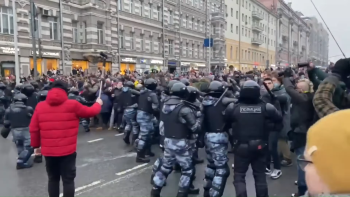 День протестов в России: как задерживали протестующих ВИДЕОРЕПОРТАЖ