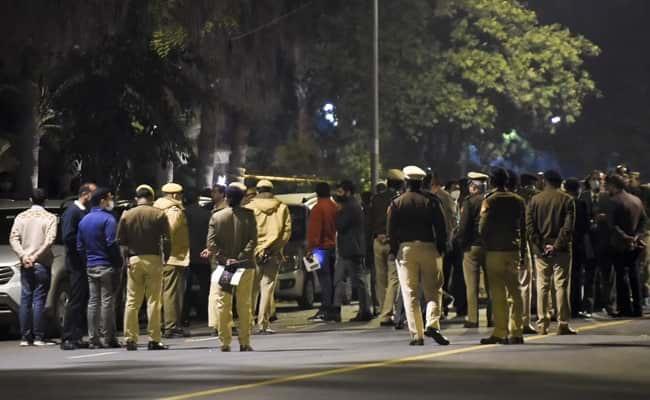 Взрыв возле посольства Израиля в Индии фото